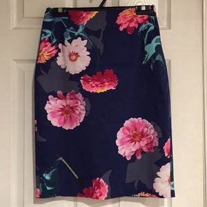 Banana Republic midi skirt. Like new! 💕